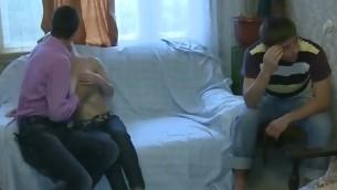 tenåring kyssing blonde amatør