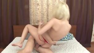 tenåring babe blowjob blonde